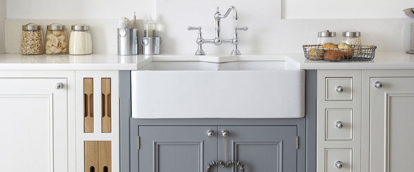 Feature Belfast sink with pull out trays